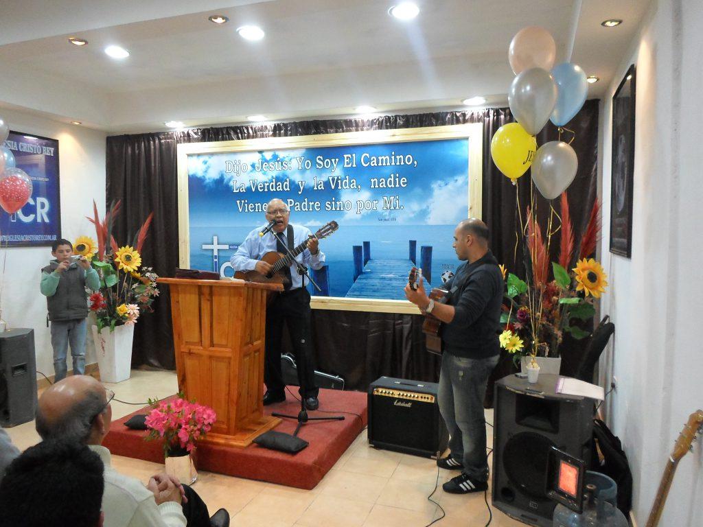 iglesia-cristo-rey-visita-del-intendente-daniel-disabatino-29-09-2013-85